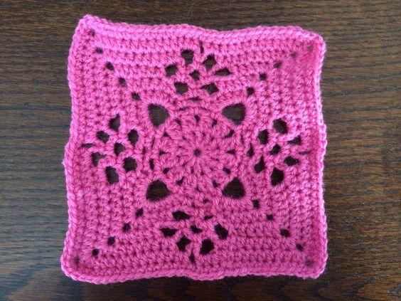 84 - donker roze met denappeltje