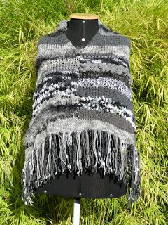 Poncho cinza de patchwork de lãs
