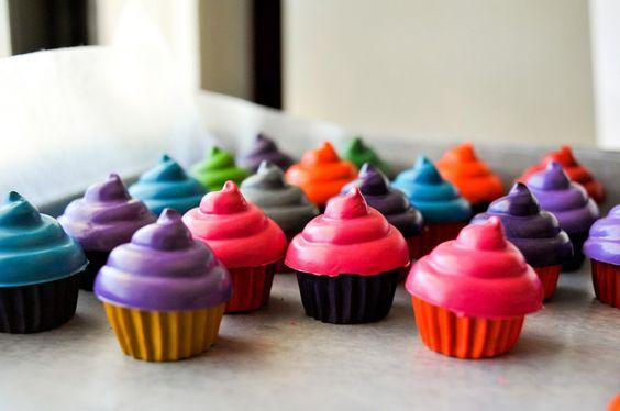DIY cupcake crayons!! sooo cute