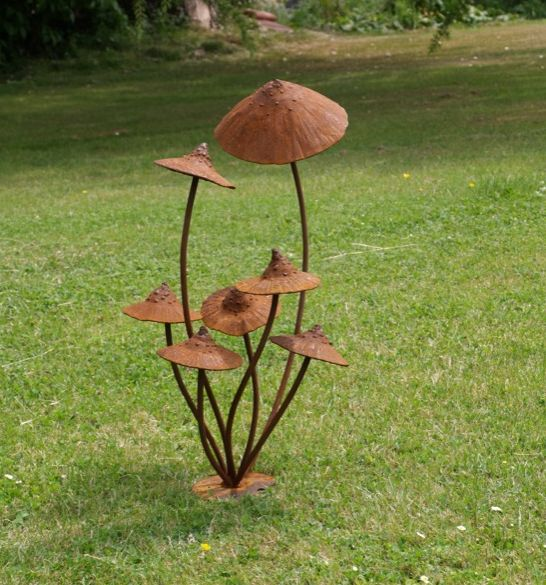Mushrooms garden pinterest tuinen metalen en paddestoelen - Outdoor tuin decoratie ideeen ...
