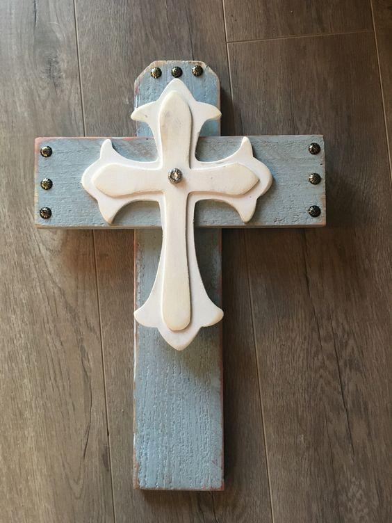 Wood pallet crosses