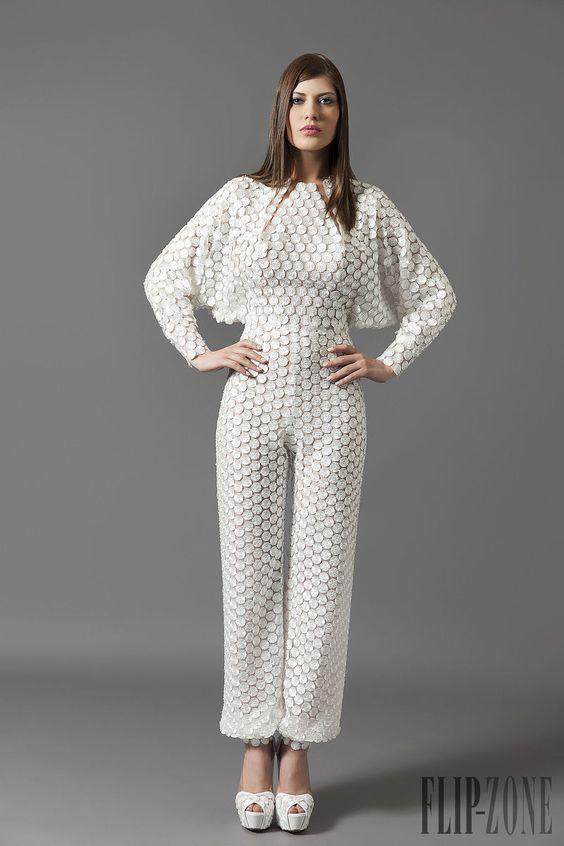 Antonios Couture Otoño-Invierno 2014-2015 - Alta Costura - http://es.flip-zone.com/fashion/couture-1/independant-designers/antonios-couture-4847