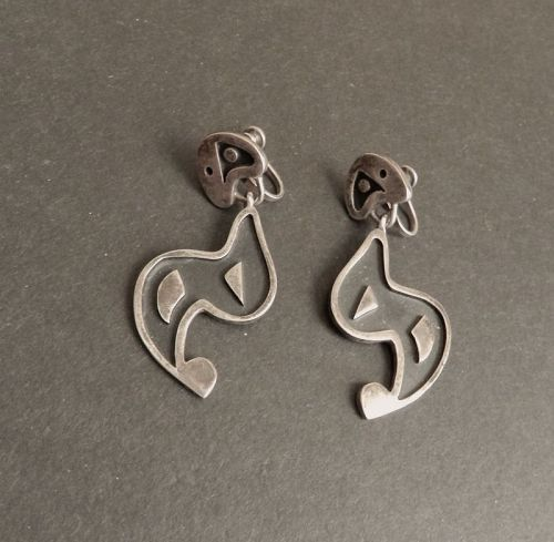 Stunning Peruvian Design Screw back Earrings 13.8 grams Sterling Marked 800 Vintage Dangle Made in Mexico