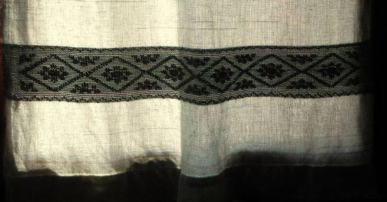 Artigianato sardo: #sardinia #telaiomanuale #littos #littoscreazioni #artigianatosardo #weaving #tessitura #lino #pibiones #ranu #curtain #alghero #loom #tenda - via http://ift.tt/1zKqJ1x