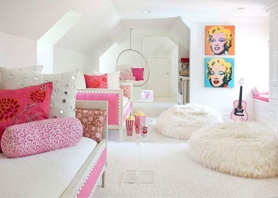 See more images from shared bedrooms that aren't actually the worst on domino.com