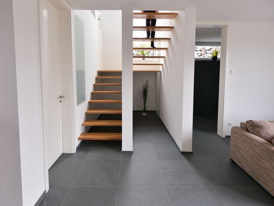 Bodenfliesen Anthrazit Wohnzimmer : 37 . Die großformatigen Schiefer-Fliesen passen perfekt zu moderner ...