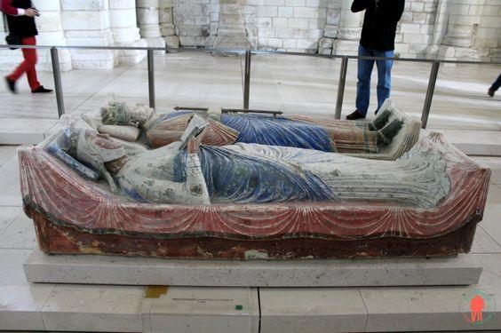 Gisant Aliénor d'Aquitaine, Fontevraud