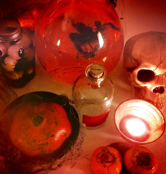 Halloween at RodchenkoBlue.com: Vintage Postcards, Pomegranate, Welcometohalloween474 Blogspot, Halloween |