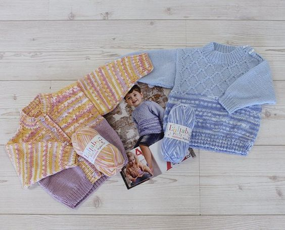 Sweater and Cardigan in Lullaby DK Print and Lullaby DK (9279)   Deramores