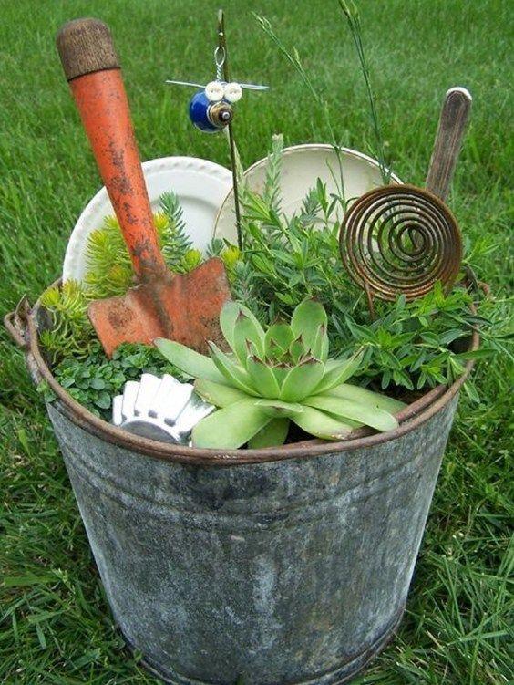 49 Diy Junk Garden Art 32 Gartendekoideen 49 Diy Junk Garden Art 32 Gartengerumpel Marchen Garten Minigarten