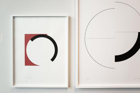 Less #geometry #abstract #art #contemporaryart #vitra #vitrahaus #composition #circles #square #bauhaus #wanderlust #germany #leica #leicaq #madeinwetzlar ##explore #compose