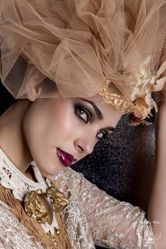 Foto&Edición: Beatriz Vela Modelo: F. Estilismo: CooltureLab Collar: Ecraftic. Tocado: Yulia Eremina