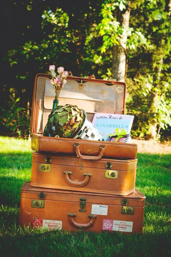 Vintage leather suitcases #photoprob #vintage #luggage