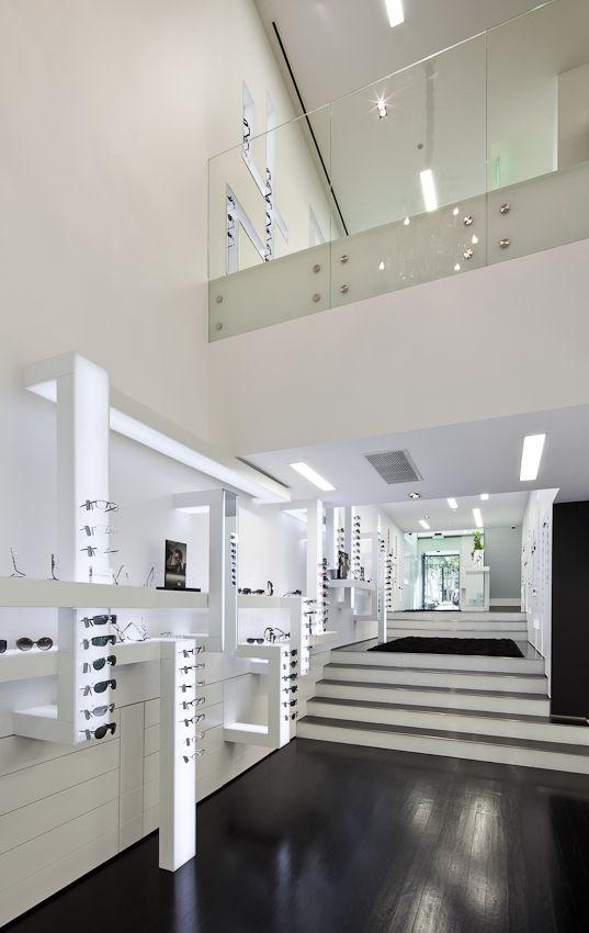 Optical Store in Lisbon / Jorge Sousa Santos
