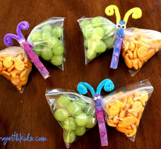 Juggling With Kids' sweet Butterfly Snacks are the perfect party craft for kids!