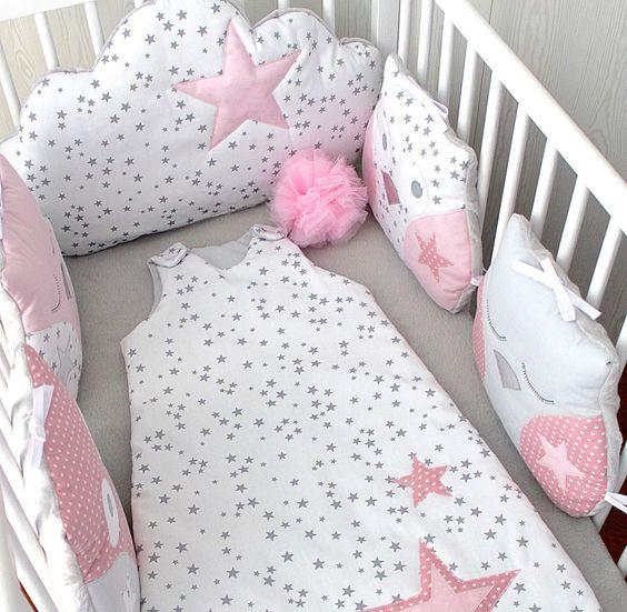 *Tour de lit bébé fille, hibou et nuage, tons roses et gris, pour lit de 60cm large  Descubre más sobre de los bebes en Somos Mamas.
