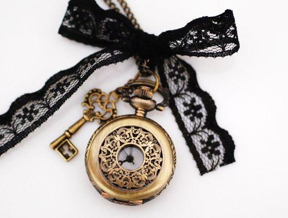 """Ketten lang - ♥""""Die Aristokratin""""♥ Mini Uhrenkette Uhr - ein Designerstück von madamlili bei DaWanda"""