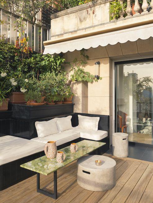 L Appartement Parisien De Laura Gonzalez Appartement Parisien Decoration Appartement Decoration Petit Appartement
