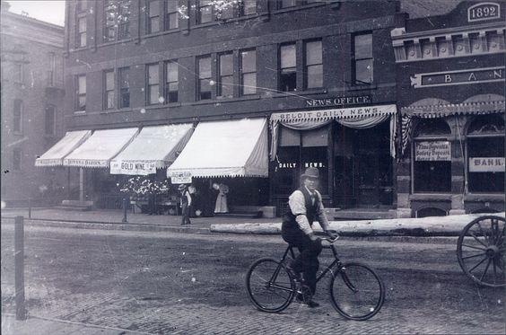 Beloit Daily News in Downtown Beloit, WI in 1910.