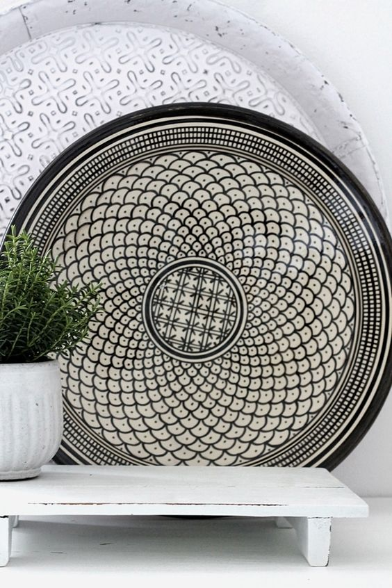 #HORCHOW Marokkanischer Keramikteller / Schale Welle schwarz 35 cm - H O U S E of I D E A S