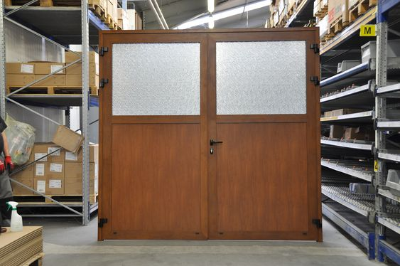 Porte De Garage Alu Evolution Voletsthiebaut Volets Voletsbattants Voletscoulissants Voletsbois Voletsalu Tools En 2020 Renovation Maison Porte Garage Maison