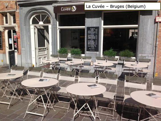 Terrasse avec tables bistro et chaises latitude couleur for Chaise de terrasse occasion