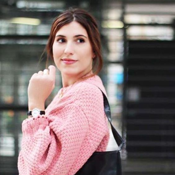 Nous avons eu la chance de rencontrer Calie @calie_m_, une jeune femme adorable et pleine de charme. —> Retrouvez son interview sur notre journal ! www.verymojo.com/journal 💕 #verymojo #montres #watches #blog #journal #meetup #rencontre #interview #girls ► www.verymojo.com ◄