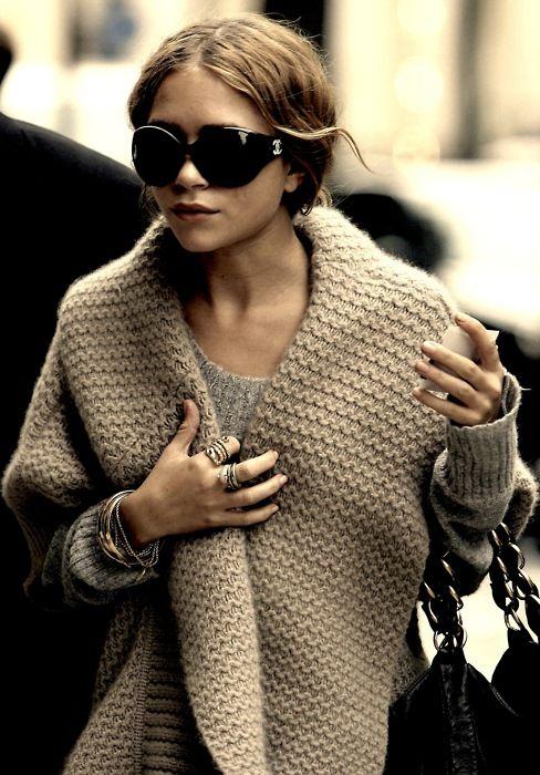 wrap: Knit Sweaters, Awesome Shawl, Knitting Crochet, Knitting Knitting, Knit Cst, Chunky Knits, Knit Awesome