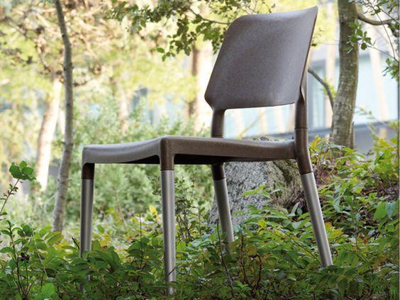 Belloch chair - design by La Granja.  Santa & Cole.