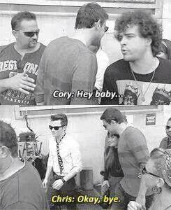 Cory Monteith saying hi to Lea Michele. Chris Colfer cracks me up!