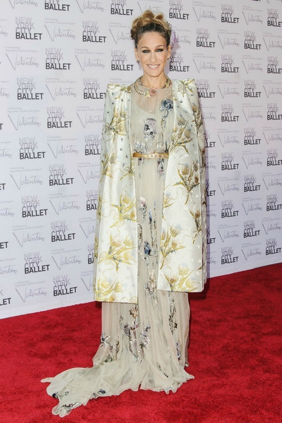 Totally regal in Valentino 2012