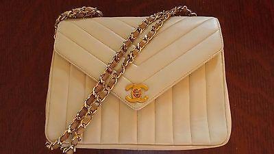 Chanel Chevron Quilted Handbag https://t.co/Pfi175WJLx https://t.co/zfE6x5E6vY