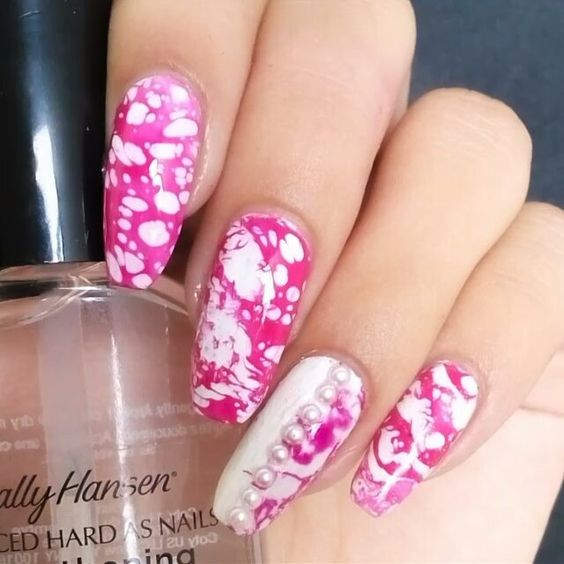 Here is the tutorial for my easy water spotted nails, hope u like it!♥ ✔For the spotted effect i spray the polish with rubbing alcohol:) ~~~ #nailartclips #nailart #nailtutorial #nailaimer #nailsartvideos #nail_artists #simplynotlogical #nailsoftheday #nails2inspire #nails4yummies #allmodernmakeup @tutoriaisinspirations
