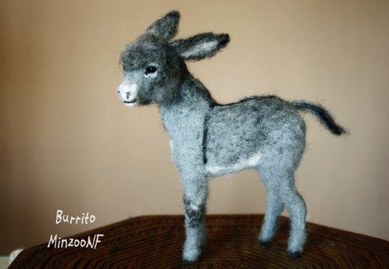115,00 € 18 cm Needle felted donkey burro foal animal von MinzooNeedleFelting