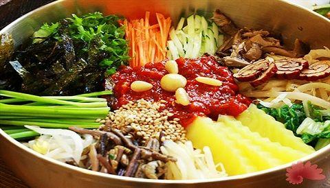 Món cơm trộn bibimbap của Hàn Quốc