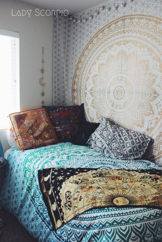 Bohemian Decor Inspiration: Hippie Trippy Turquoise Green Blue Ombre Mandala Tapestry