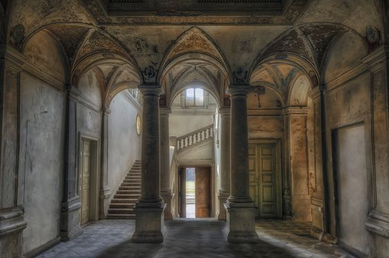 Incredibly beautiful abandoned castle. I will never stop being amazed at what humanity tosses away!