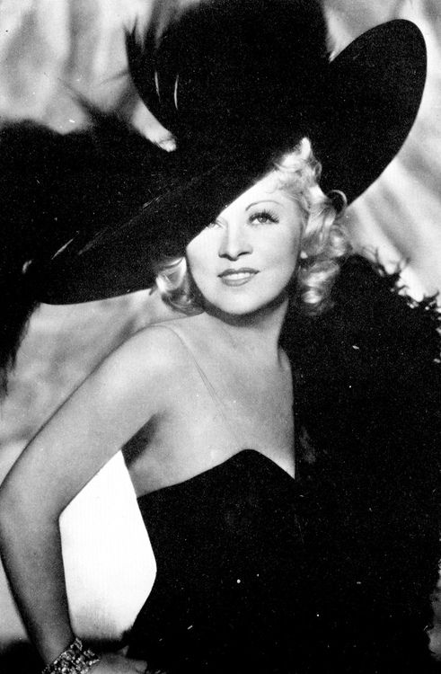 """<0> Mae West, in her own words: """"Women are like roads, the more curves, the more dangerous they are."""":"""