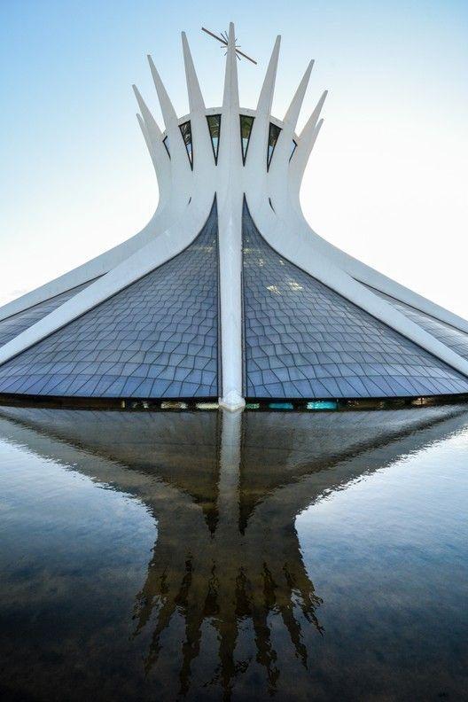 Catedral De Brasilia Arquitectura Religiosa Arquitectura Famosa Arquitectura De Edificios
