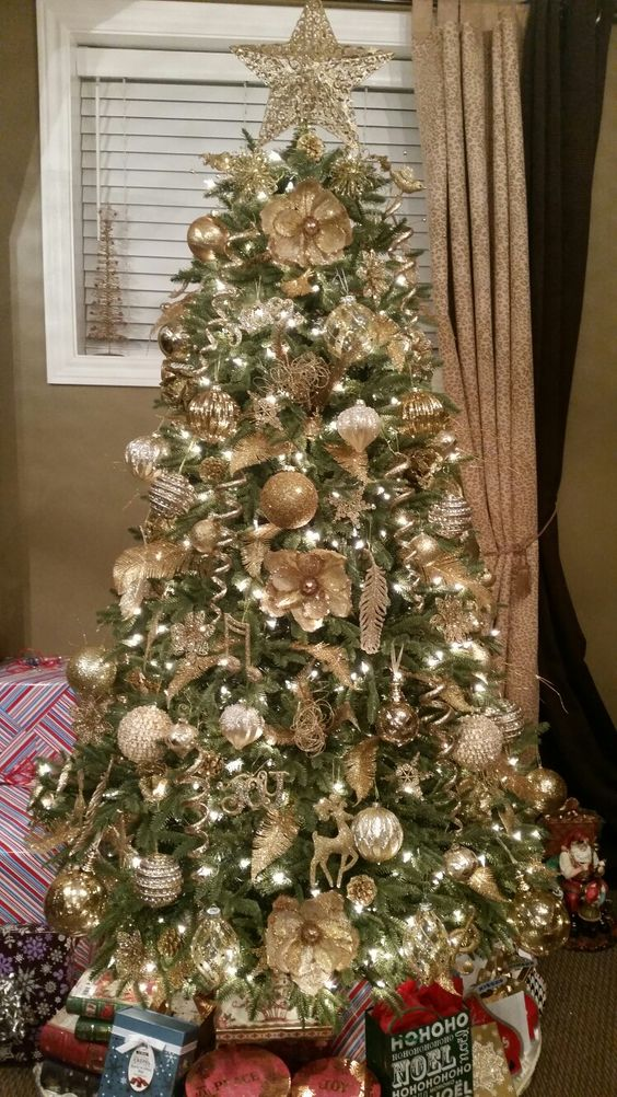 35 gold Christmas decorations and gold holiday decor