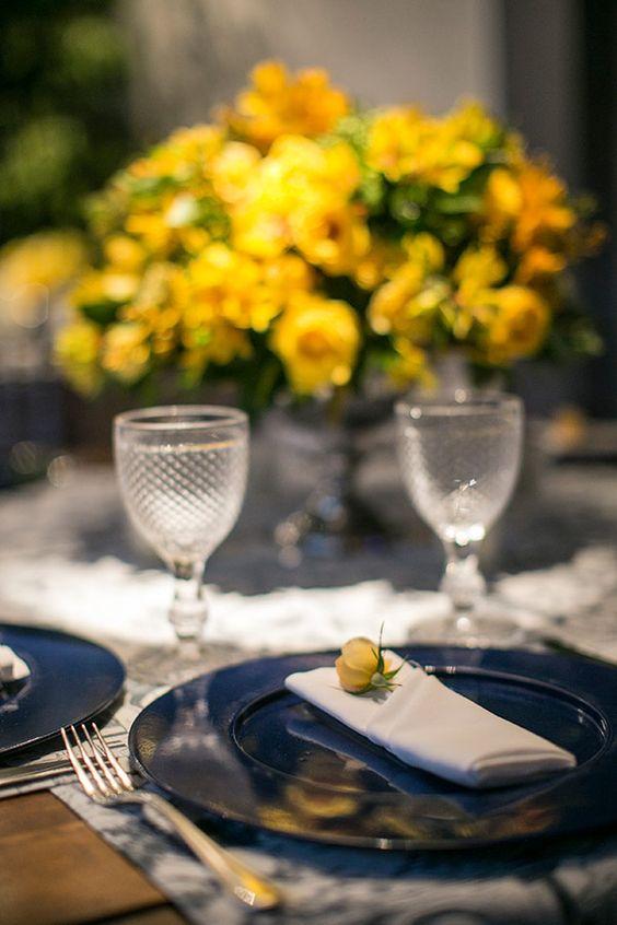 Decoração de casamento  Amarelo e azul  Detalhe guardanapo com