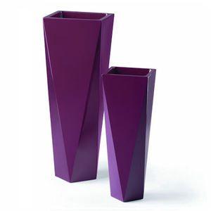 Diamants pots and design on pinterest for Cache pot design exterieur