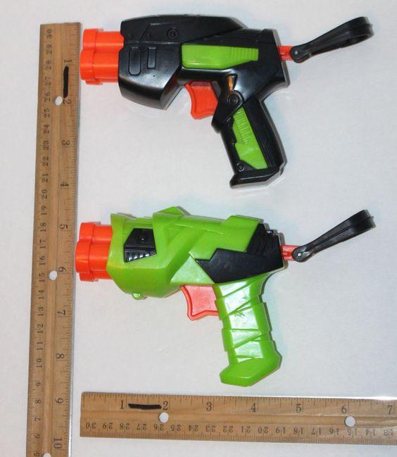 2 LOT BUZZ BEE TOYS TRIPLE SHOT SOFT FOAM DART GUNS & KEY LATCH CLIP ON END 2009 #BuzzBeeToys