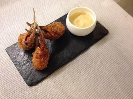 snow crab cloves with dips