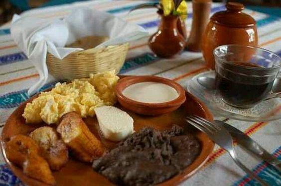 Que rico, desayuno típico en mi linda tierra, Nicaragua...