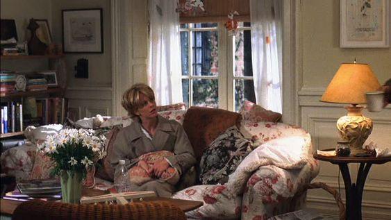 So cozy!  Meg Ryan's apartment in You've Got Mail.