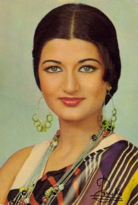Bollywood actress bollywood and actresses on pinterest for Old indian actress photos