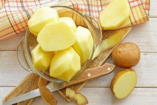 Top 5 những cách trị nám da bàn tay bằng khoai tây rất hiệu quả và an toàn