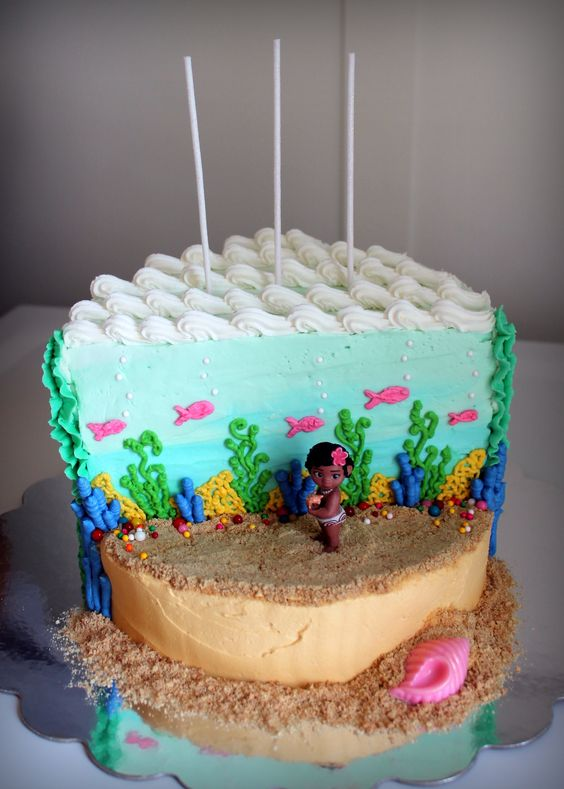 Girl's 'Baby Moana' Birthday Cake