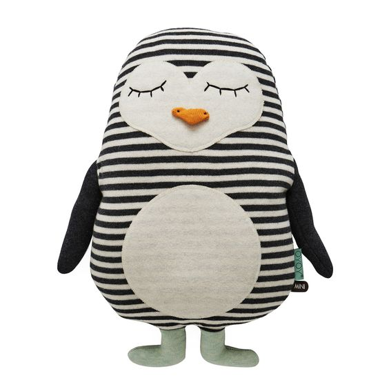 Pinguine sind per se lustige Tiere. Mit ihrem watschelnden Gang bringen sie mich immer zum Lachen. Das OYOY Kissen Pingo kann zwar nicht watscheln, aber den entzückenden Pinguin muss man einfach liebhaben. Er ist fein gestrickt und...
